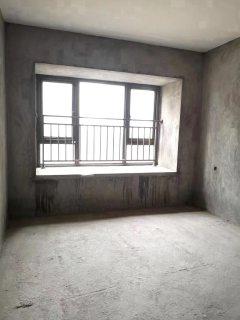出售(东南片区)南苑4室2厅2卫132平毛坯房