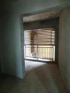 出售(官盛新区)加德·金融广场4室2厅2卫112.8平精装修