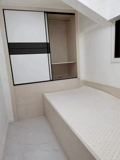 出售(协兴园区)富盈·加州阳光2室2厅2卫44.5平精装修